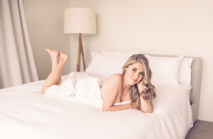 boudoir and glamour photographer